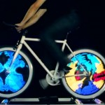 Monkey-Light-Pro-la-bicicleta-con-ruedas-animadas-2-720x423